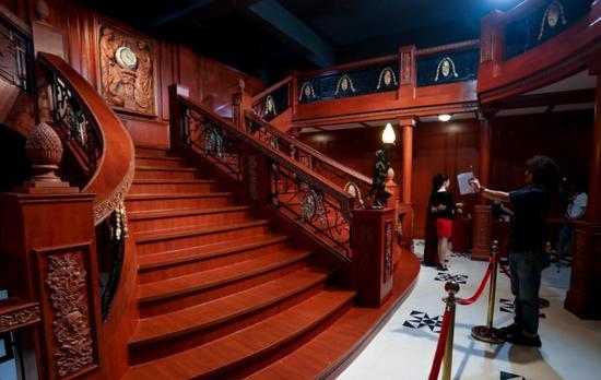泰坦尼克号文物在武汉展出 再现传奇巨轮风采