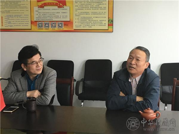 中华收藏网总裁龚经强(左一),金华市电商协会会长郑继清.JPG