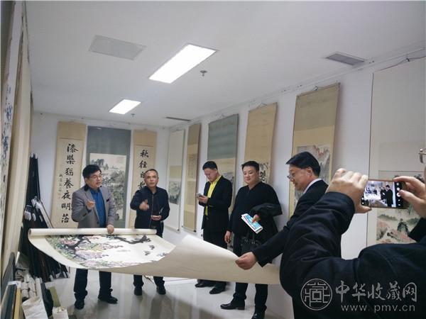 参观中华收藏网艺术馆 (2).jpg