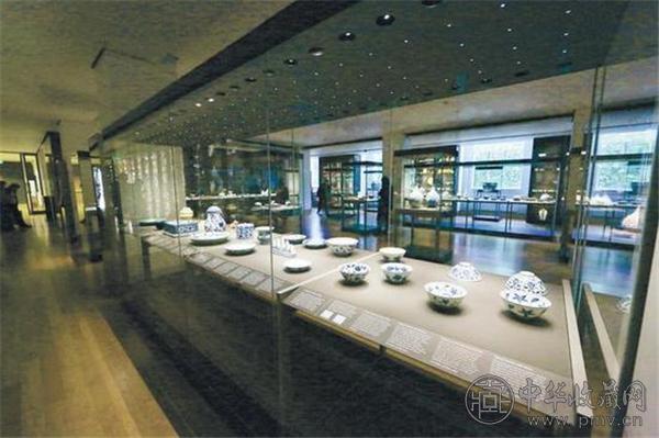 大英博物馆九十五号展厅轮流展出斐西瓦乐-大威德收藏的一千七百余件高品质中国陶瓷.jpg