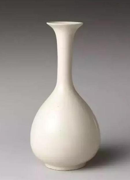 北宋定窑玉壶春瓶 高24.4cm