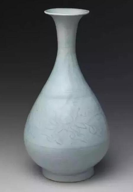 元青白釉玉壶春瓶 高27.9cm