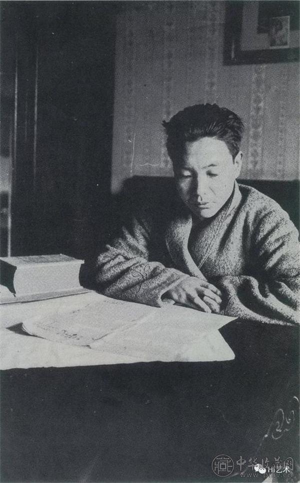 1930年代左右常玉摄于巴黎自宅,来源:《常玉画集》111页 台湾历史博物馆 1995年.jpg