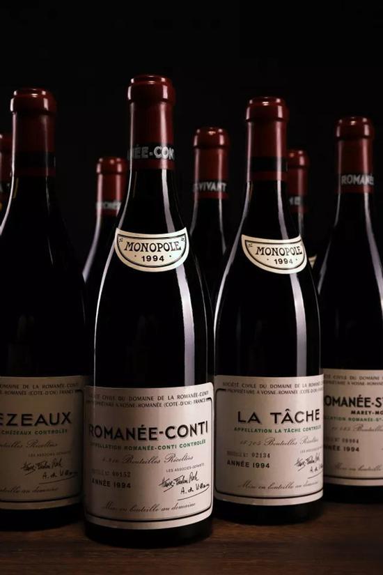 罗曼尼康帝套装1994   750ml 12瓶(原箱)/ 12 bottles (OWC)   成交价:RMB 322,000