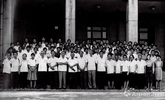 1981 年8 月,北京全国青年油画座谈会留影