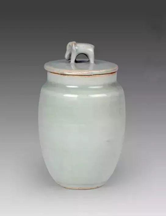 龙泉窑青瓷象钮盖罐 丽水市博物馆藏