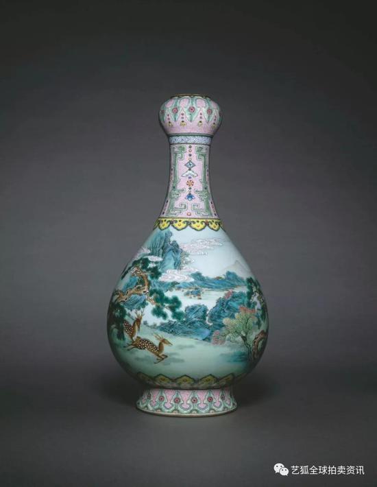 清乾隆 宫粉地洋彩鹤鹿同春如意瓶现存于法国吉美博物馆