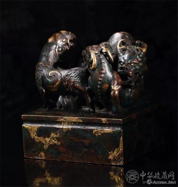 乾隆三年(1738年)制 铜点金异兽钮「乾隆御览之宝」宝玺.jpg