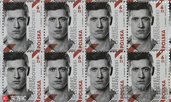 波兰发行头号球星莱万多夫斯基限量邮票.jpg