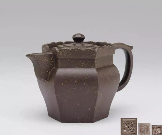 当代  顾景舟制紫砂高僧帽壶  W:15 cm  成交价:RMB 3,852,500