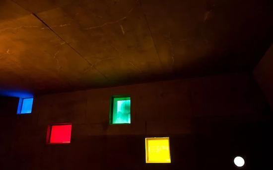 这是一场关于光影的独特体验。