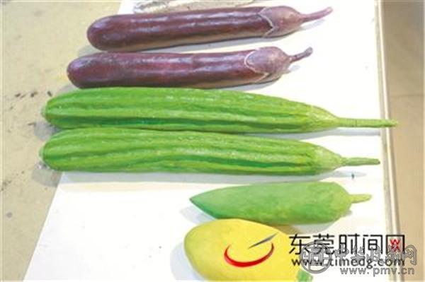 纸塑的瓜果蔬菜跟真的一样.jpg