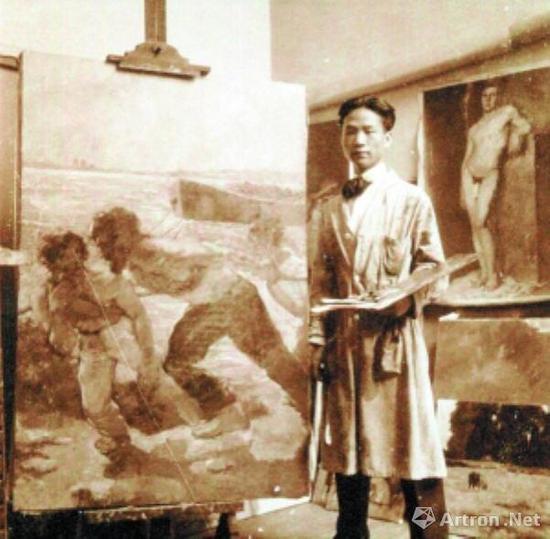 吴作人留学比利时期间在画室中留念