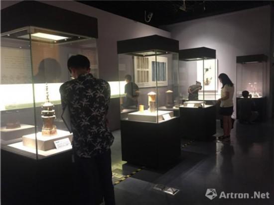 """""""物华天宝:朝阳北塔出土文物精品展""""现场"""