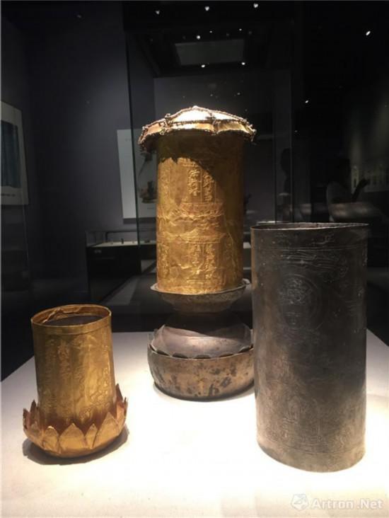 金银经塔的金制圆筒