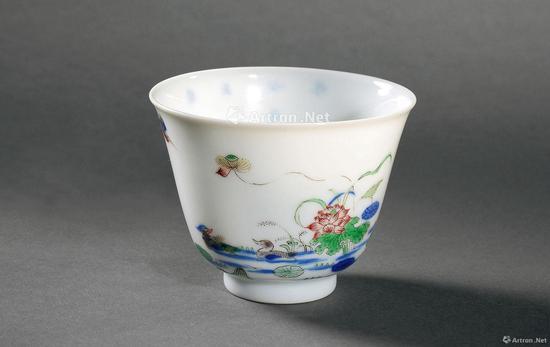 清康熙 青花五彩荷花鸳鸯花神杯成交价:488.75万元中贸圣佳