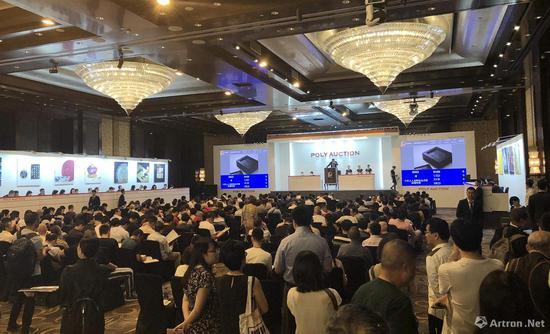 北京保利翦淞阁精选文房名品拍卖现场