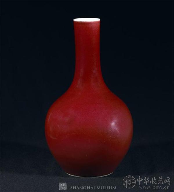 乾隆 景德镇窑红釉瓶.jpg
