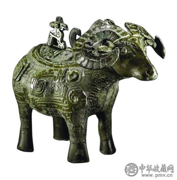 商晚期青铜羊觥.jpg
