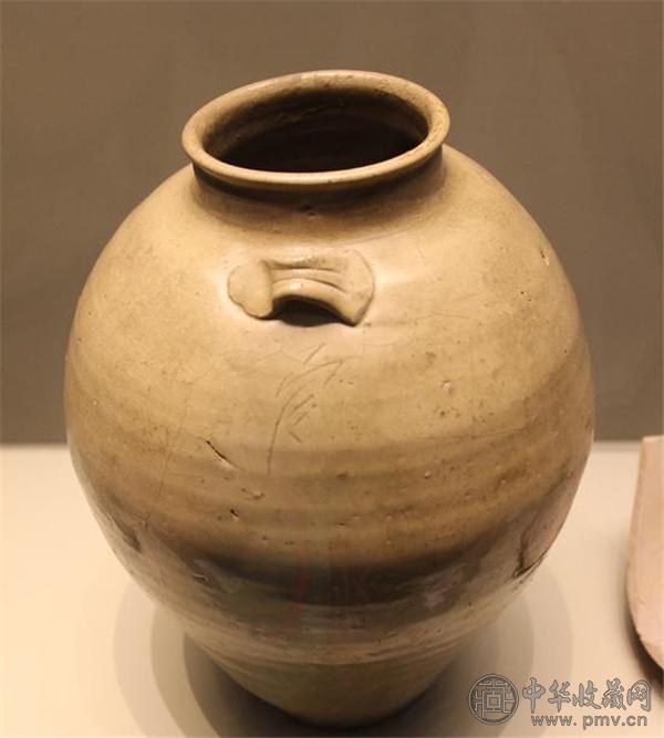 """唐越窑""""官""""字款罐 浙江文物考古研究所.jpg"""