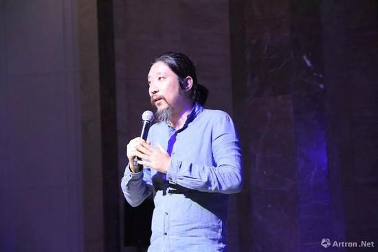 北京当代·艺术展艺术总监 鲍栋