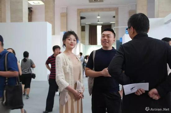 木木美术馆创始人 林瀚(右)、晚晚(左)