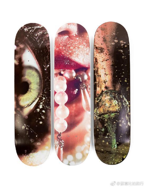 完整私人Supreme滑板最终539万元被拍 成全球最贵