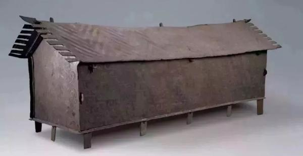 祥云大波那铜棺
