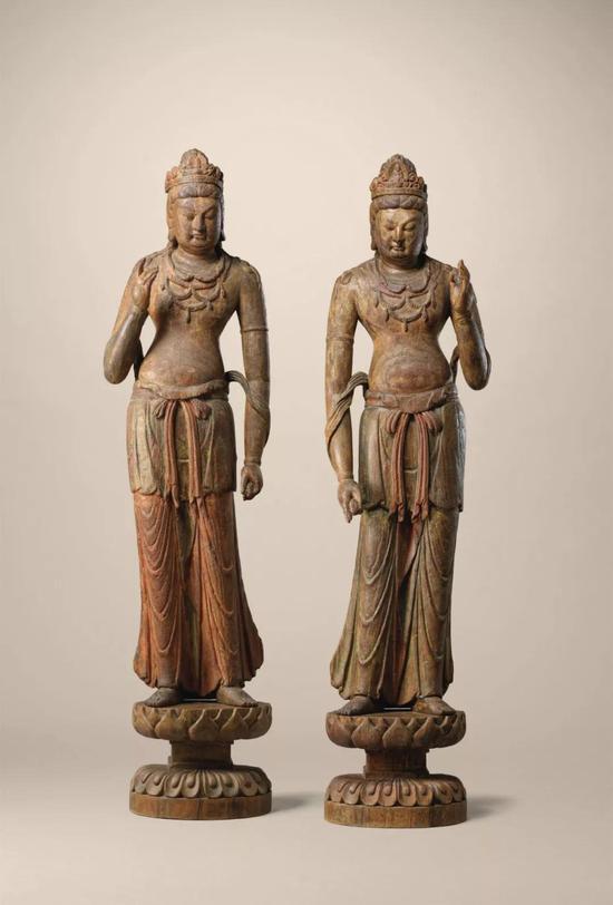 一对北宋初期木雕菩萨立像拍卖价格是多少
