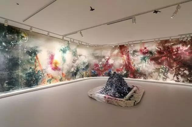 《花瞬一、二》,2019,维多利亚州国立美术馆 摄影:Tobias Titz