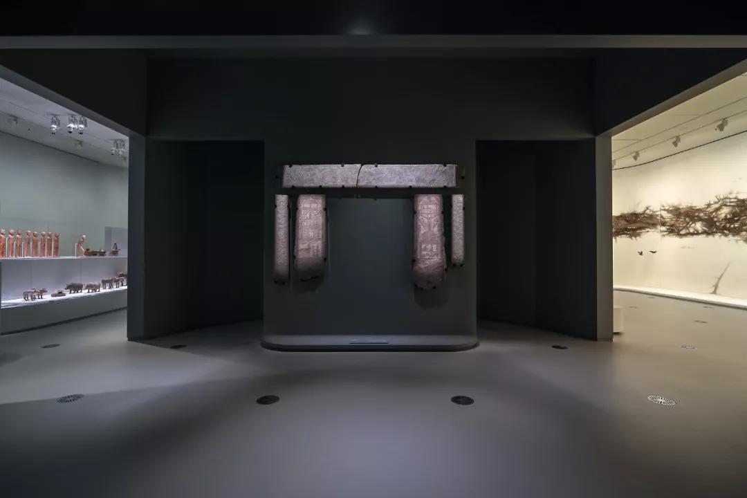 《永恒的卫士》与《瞬间的山水》展览现场, 2019 维多利亚州国立美术馆。摄影:Tobias Titz