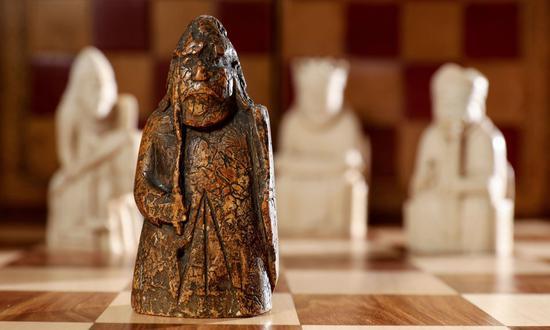"""近日新发现的刘易斯西洋棋子""""看守""""。图/苏富比拍卖行"""