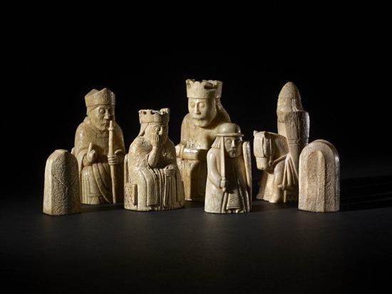 大英博物馆藏刘易斯西洋棋。图/大英博物馆官网