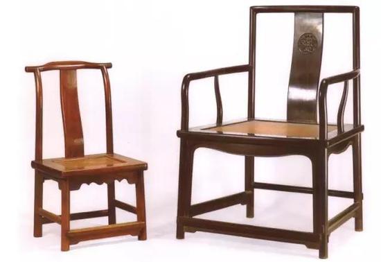 明紫檀扇形南官帽椅(右)