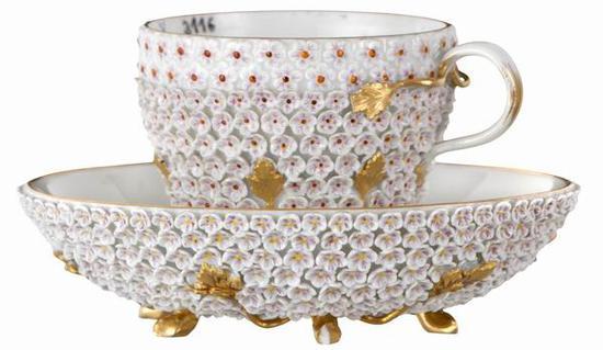 雪球花杯碟 梅森瓷器博物馆藏 1860