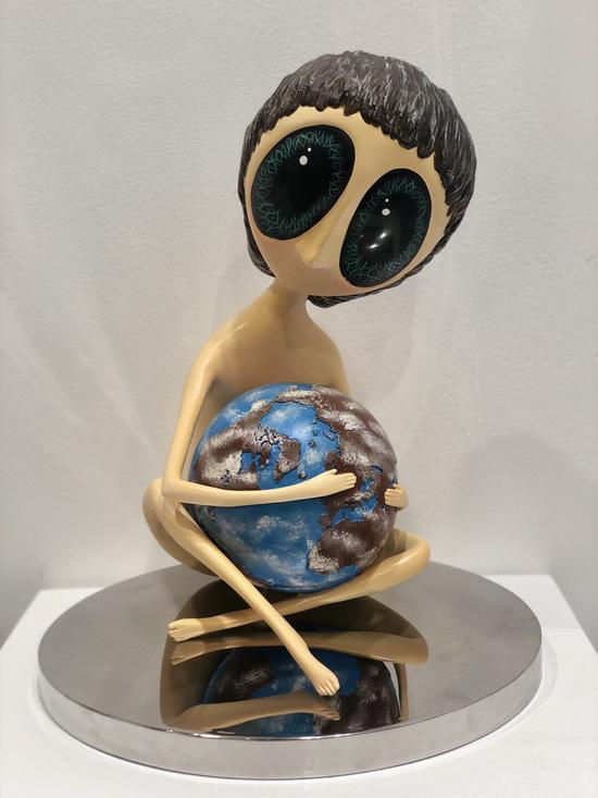 奥古斯·威利亚-拥抱地球的女孩
